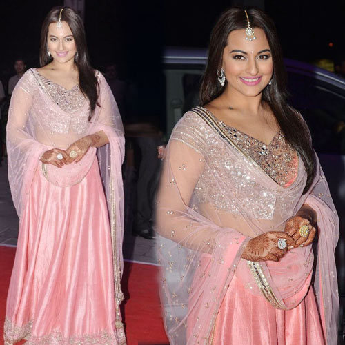 Sonakshi Sinha's New Look in lehenga, sonakshi sinha new look in lehenga,  sonakshi sinha looked gorgeous in pink lehenga,  sonakshi sinha,  fashion trends 2015,  latest fashion trends,  ifairer