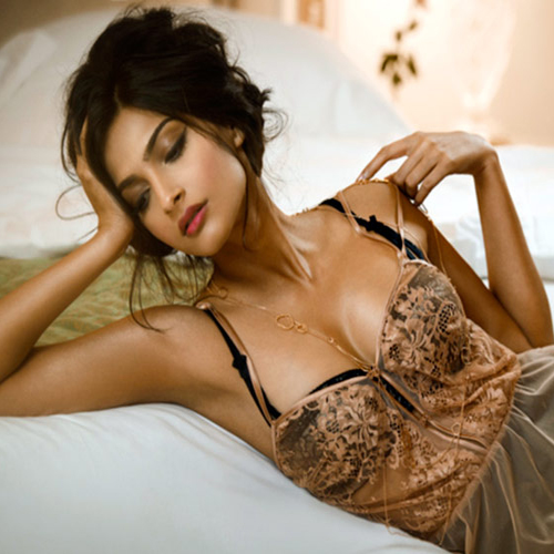 Sexy single females
