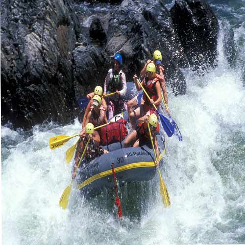 Top places in india for river rafting:, top indias river rafting places,  adventurours places in india,  scary places for river rafting