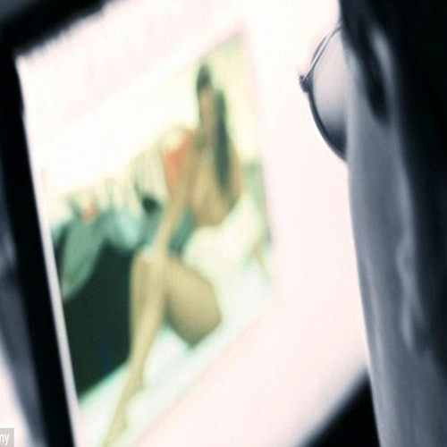 Viewing porn shrinks the brain, blue films,  adult movies,  pornography,  porn,  effects of watching porn,  brain,  shrink of brain by watching porn,  sexual stimulation