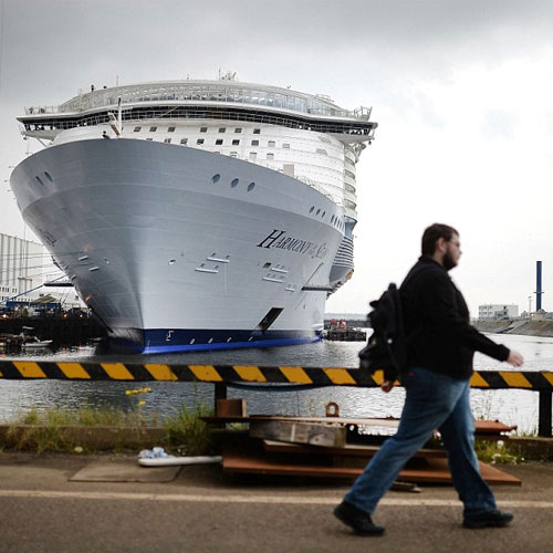 World's biggest cruise ship unveiled in France, worlds biggest cruise ship unveiled in france,  biggest cruise ship of world,  biggest cruise ship,  worlds biggest cruise ship with 18 decks and a 10-storey water slide is handed over to owners,  technology,  automobiles,  ifairer